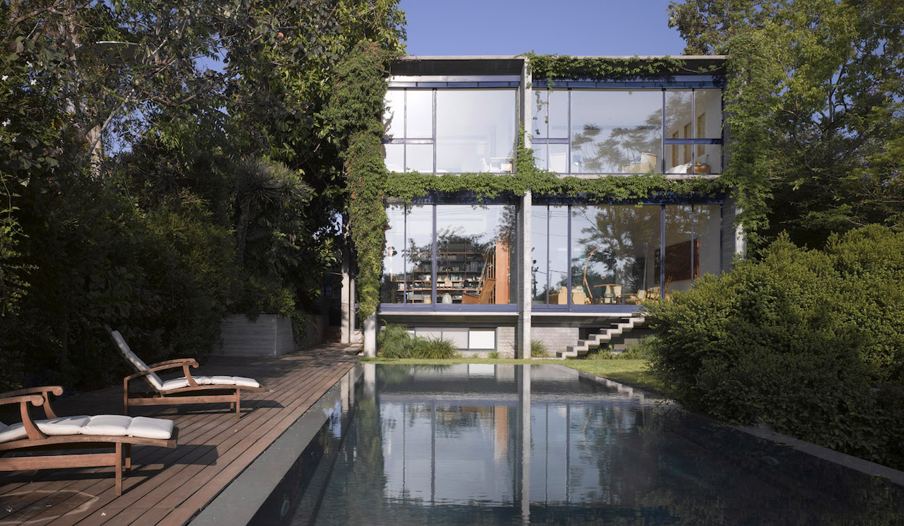 Concrete & Glass House. Photo credit: Amit Geron.
